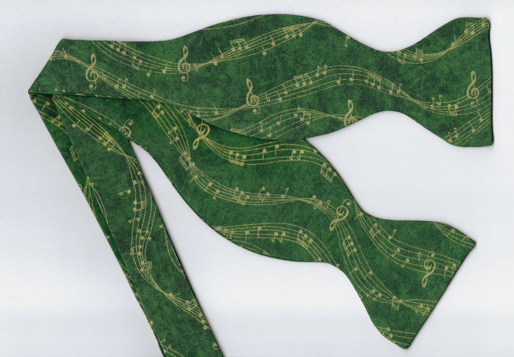 Music Bow tie / Wavy Metallic Gold Music on Green / Self-tie & Pre-tied Bow tie