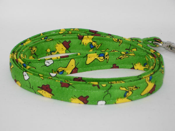 Snoopy Lanyard / Camper Snoopy & Woodstock on Green / Peanuts Lanyard, Snoopy Key Chain, Cell Phone Wristlet - Bow Tie Expressions