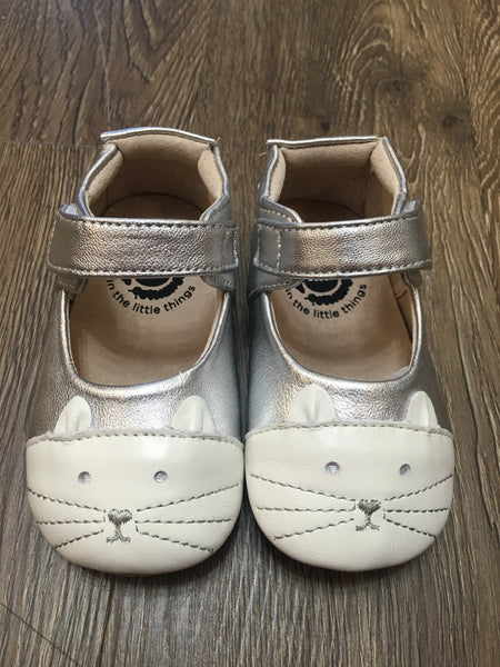 Kitten Platinum Shoe