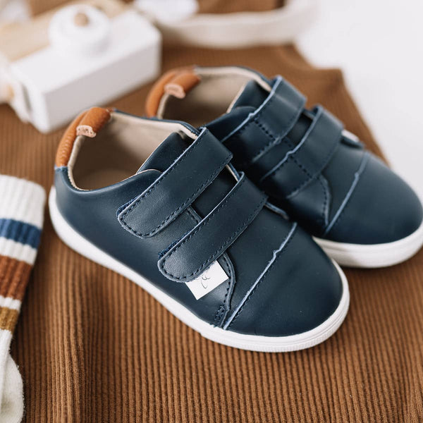 Casual Navy Low Top