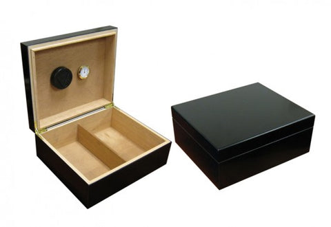 The Chalet desktop humidor in Black finish (~25-50 count)