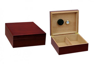 The Chalet desktop humidor in Cherry wood finish (~25-50 count)