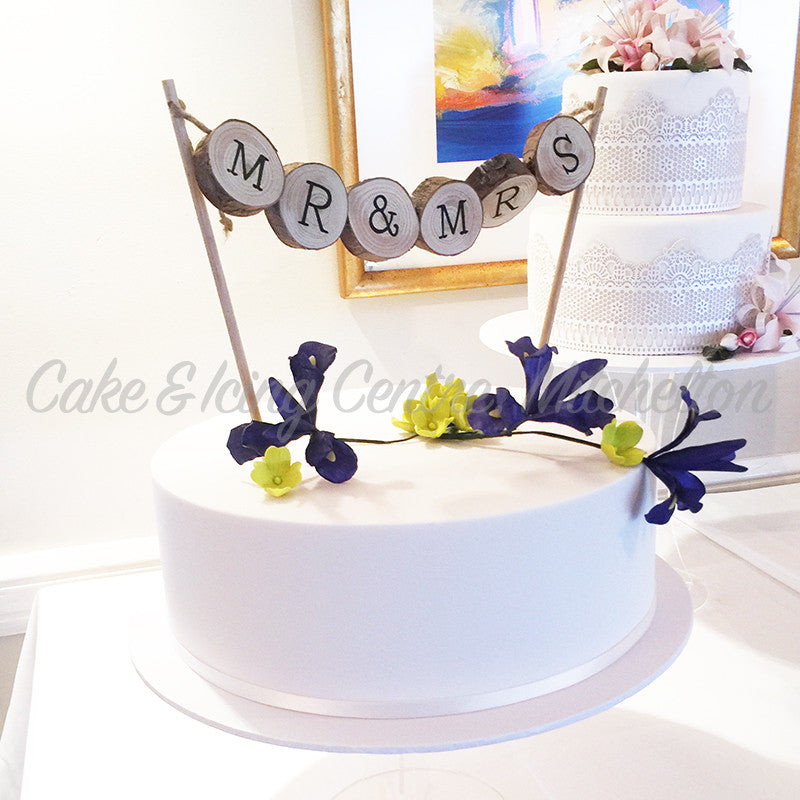 "Cake Topper - ""Mr & Mrs""  Wooden Bunting"
