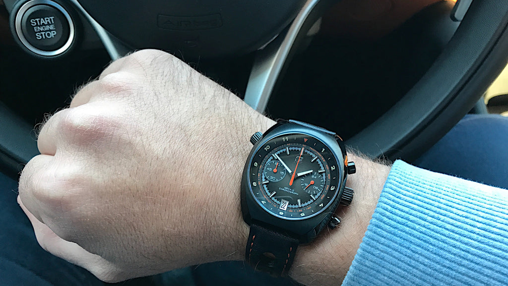 Wrist shot of the Straton Curve retro watch