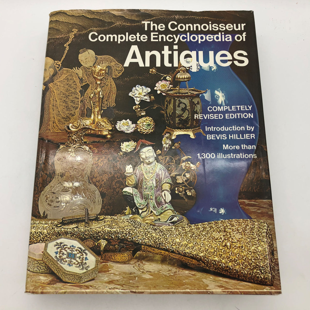 The Connoisseur Complete Encyclopedia of Antiques Hard Cover Book