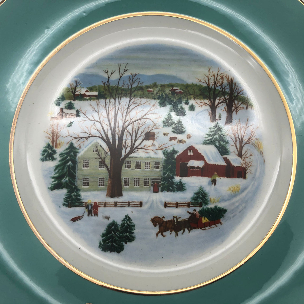 1973 Avon Christmas Plate First Edition Christmas on the Farm Gold Trim