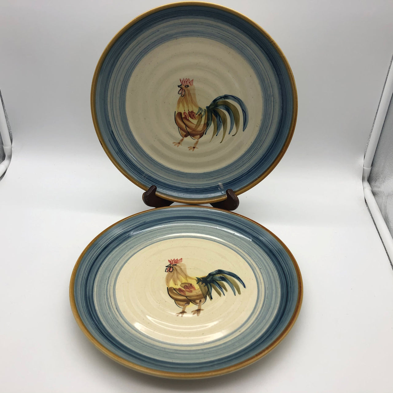 Gibson Everyday Ocean Dream Rooster 2 Dinner Plates