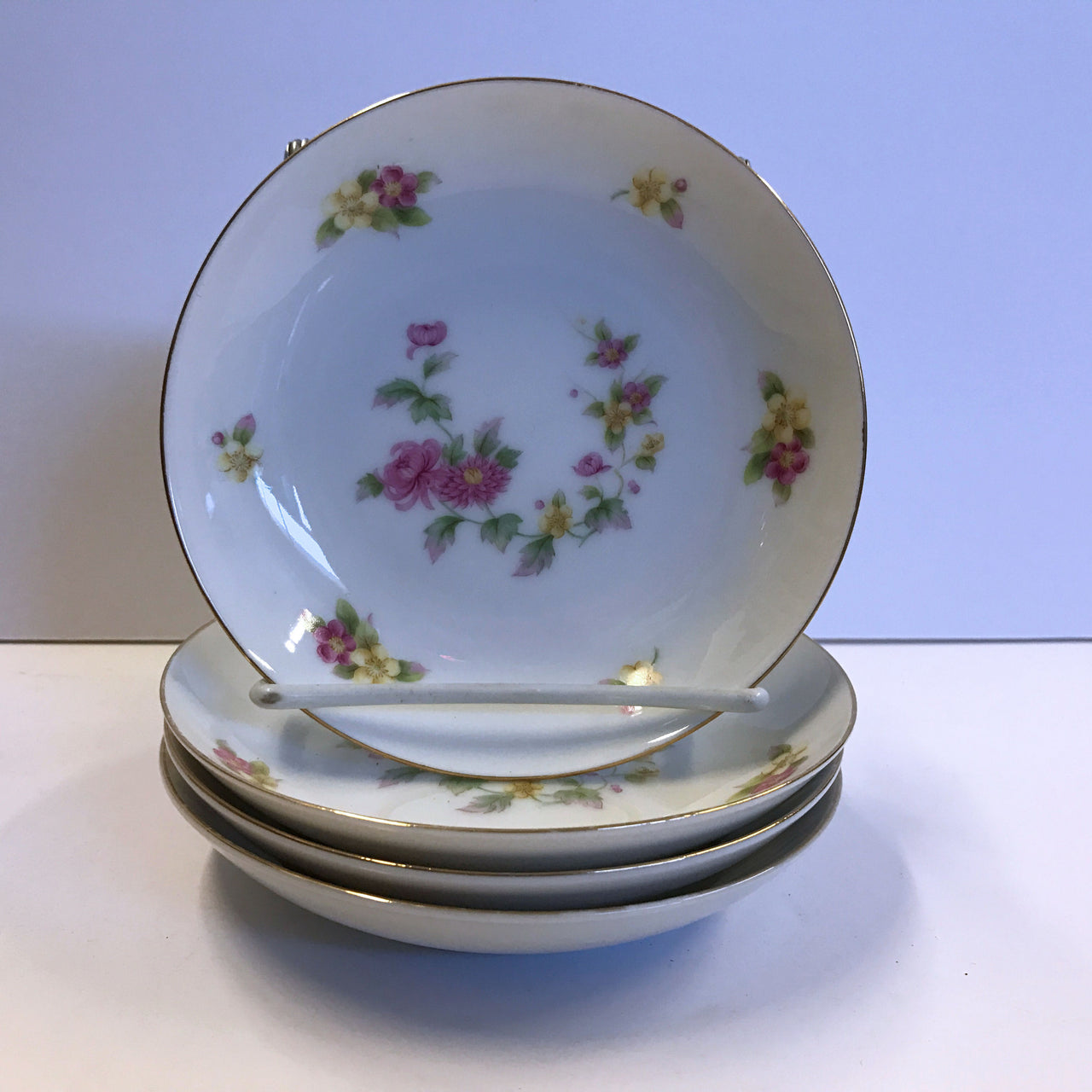 Cherry China Charmaine 4 Berry Dessert Sauce Bowls Roses Flowers