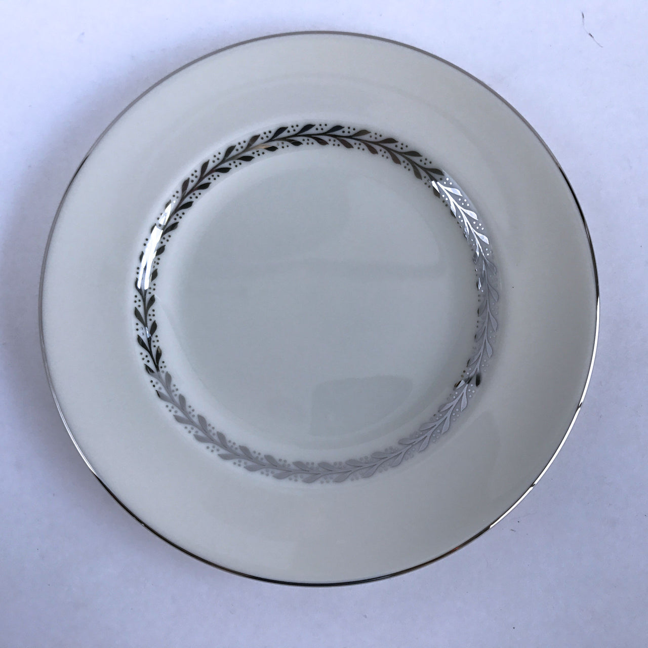 "Pickard China Silver Wreath 1098 Bread Plate Ivory Silver Leaves 6-1/2"" Alfie's Treasures 1"
