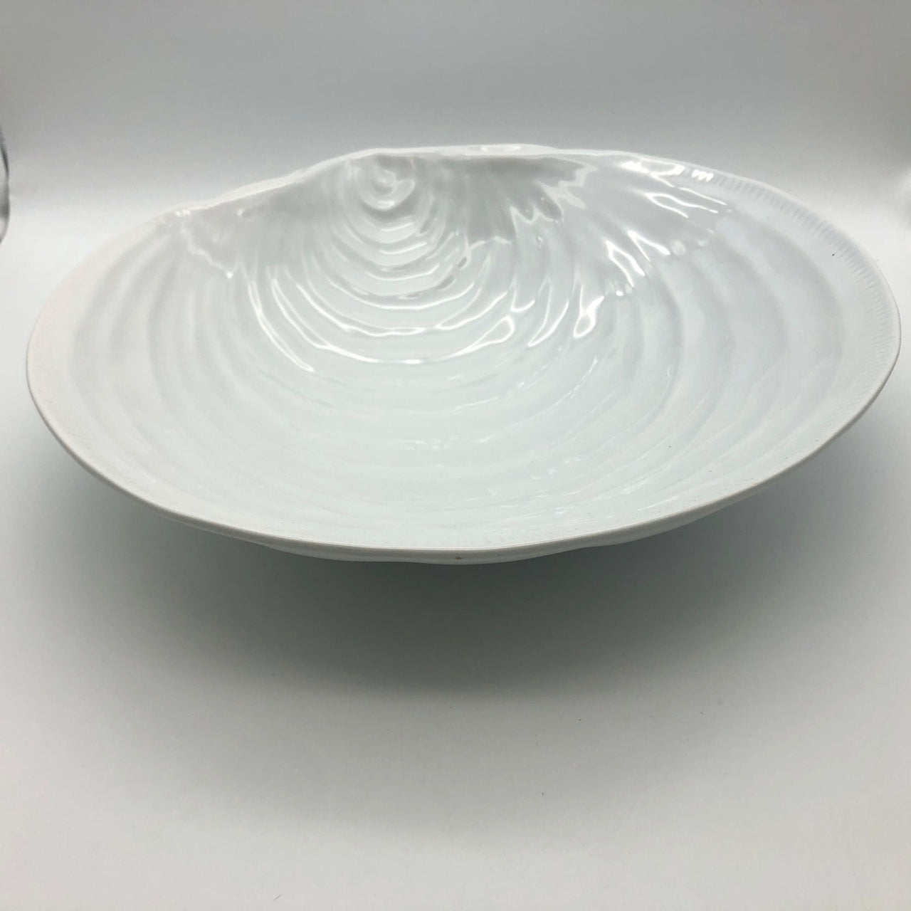 Pottery Barn White Clamshell Large Serving Bowl 14-1/4""