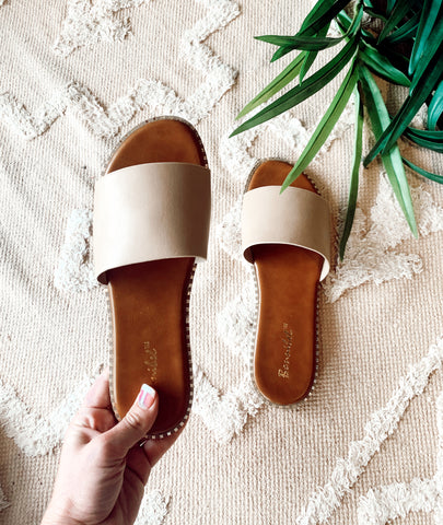 The Collins Sandal in Natural