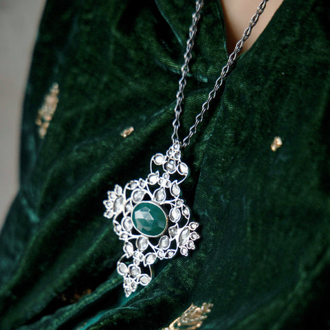 Nargis necklace green onyx