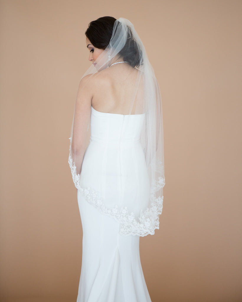 Lace Fingertip Wedding Veil