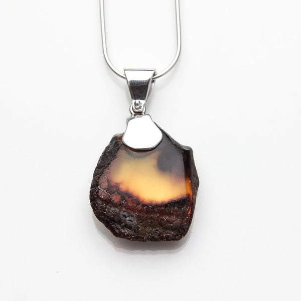 Amber Pendant, Molly