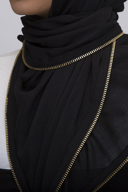 Vela Black Edge Zipper Scarf