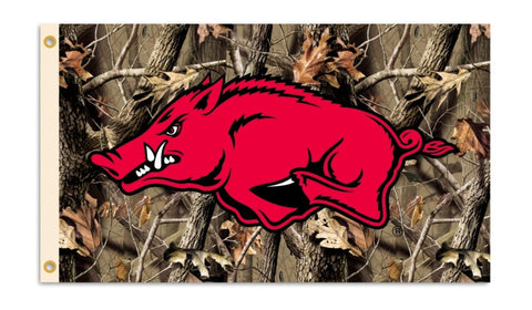 Arkansas Razorbacks 3 Ft. X 5 Ft. Flag W/Grommets - Realtree Camo Background - Peazz.com