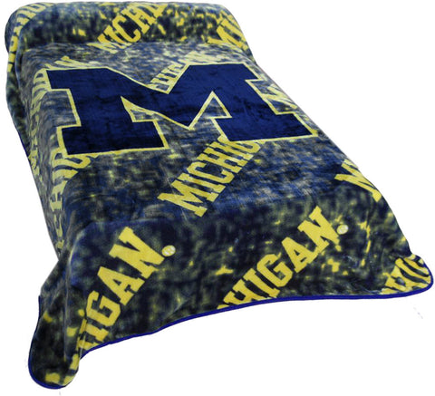 Michigan Throw Blanket / Bedspread - MICTH by College Covers - Peazz.com