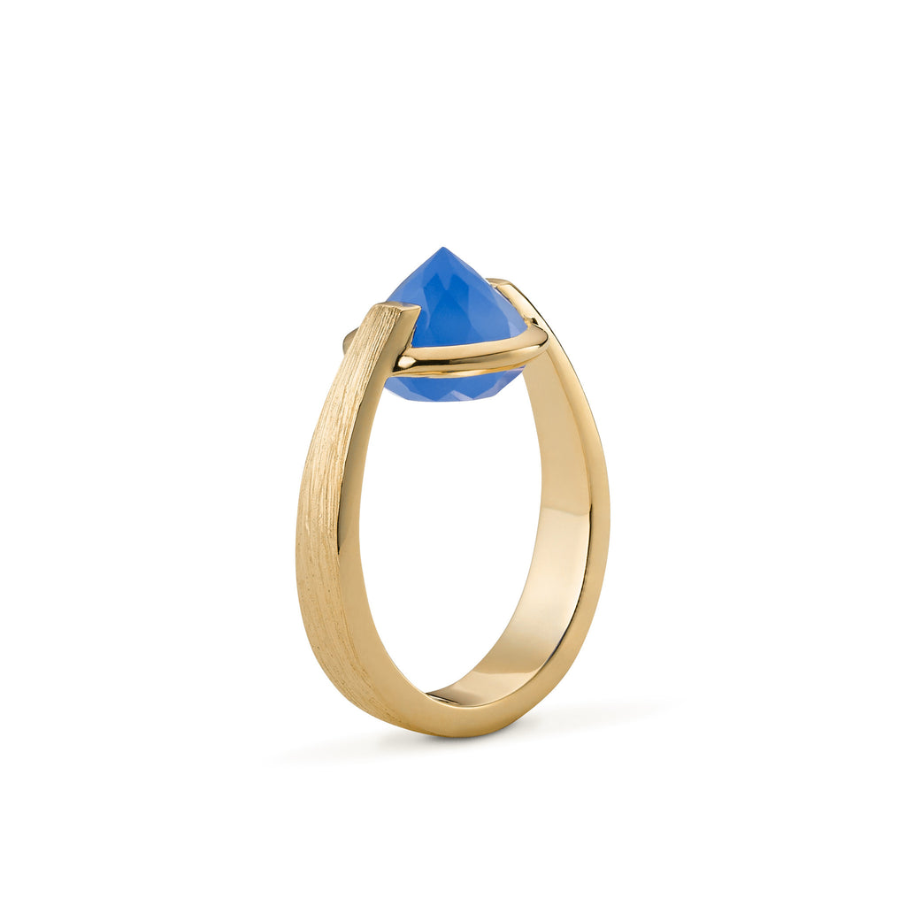 Enthusiasm  -  6 Ct Blue Chalcedony Brushed Gold Ring