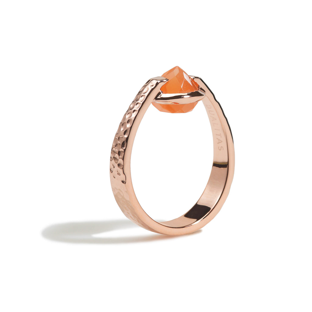 Calm - 3 Ct Peach Moonstone Hammered Rose Gold Ring