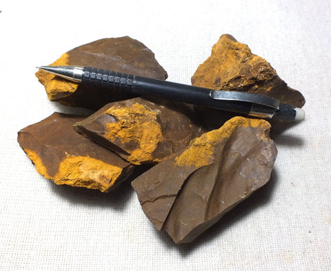 limonite -  teaching student specimens of limonite, with part converted to yellow ochre  - UNIT OF 5 SPECIMENS