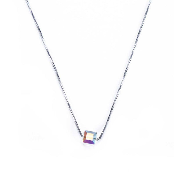 Light Reflecting Crystal Necklace
