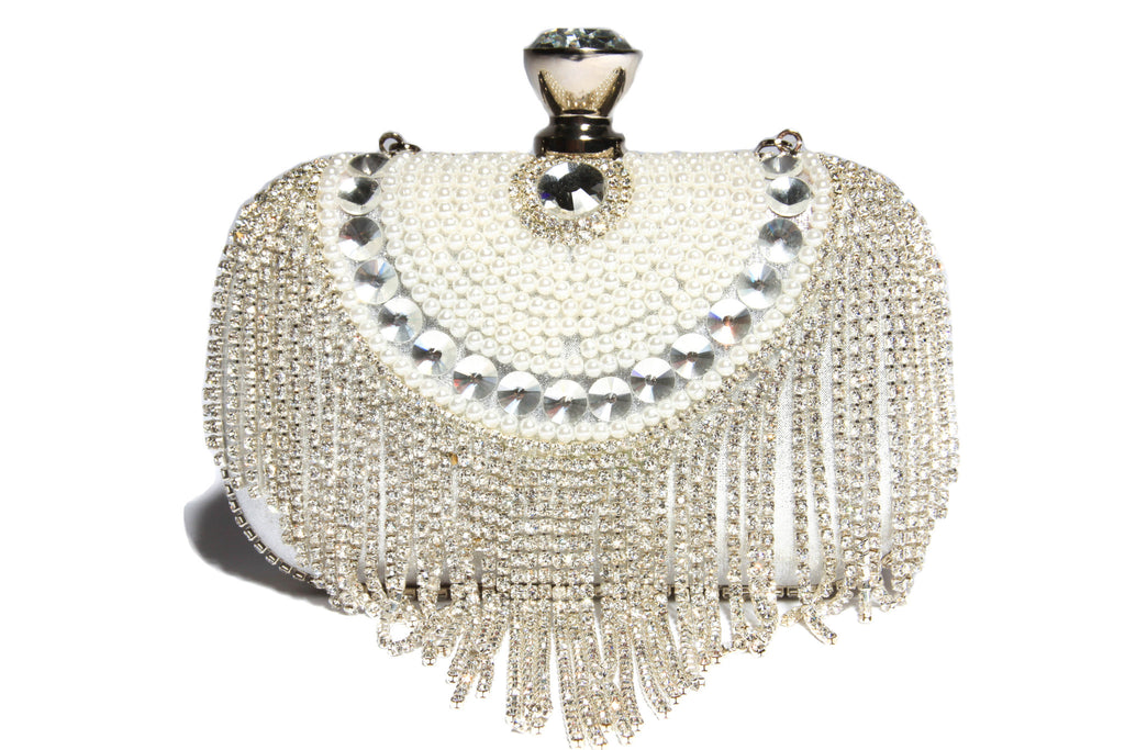 Artdeco Vintage Cutch with  Crystals, Pearls and Rhinestones. Great with a silver white or a pearl outfit.