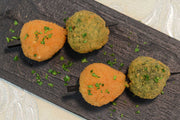 Spinach and bosciaola arancini served on a squewer - Mannarinu - 2
