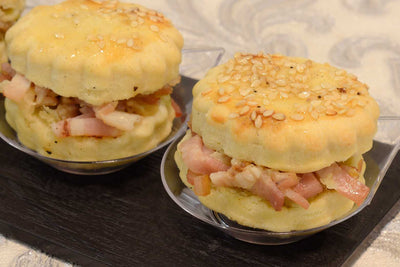 Cheddar cheese scones with honey roasted ham and mustard - Mannarinu - 1