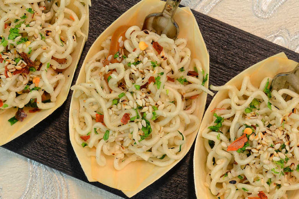 Cold vegetable noodles topped with sesame seeds - Mannarinu - 1