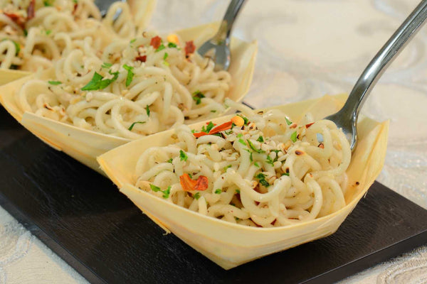 Cold vegetable noodles topped with sesame seeds - Mannarinu - 2