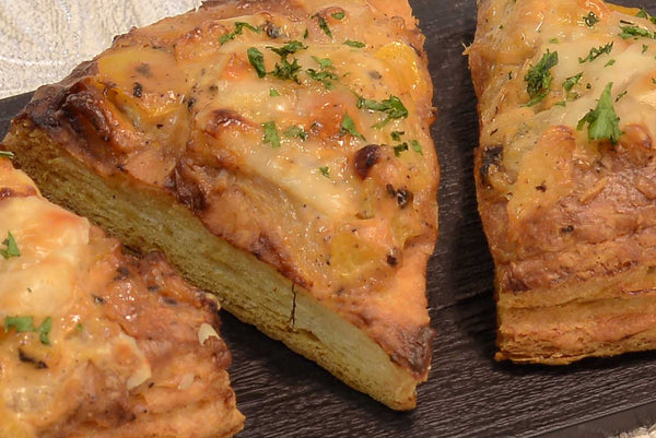 Pineapple, brie and yellow pepper foccacia - Mannarinu - 2