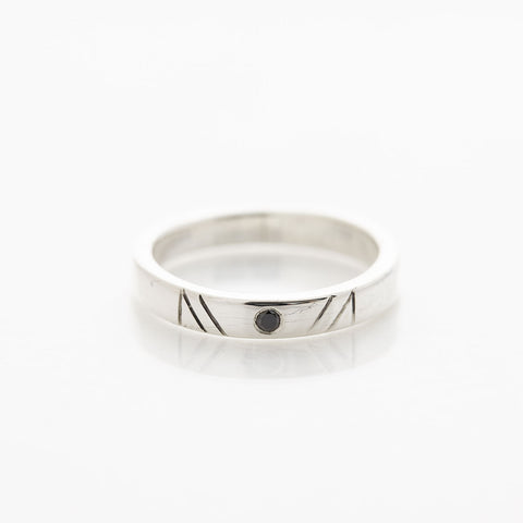 Silver Ceca Line Ring by Long Jean Silver