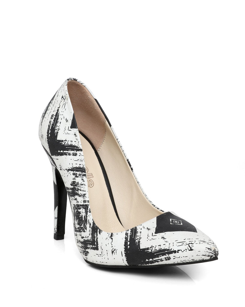 Black & White Leather Pumps - jezzelle  - 2