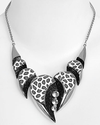 Floral Enamel Metal Necklace - Jezzelle