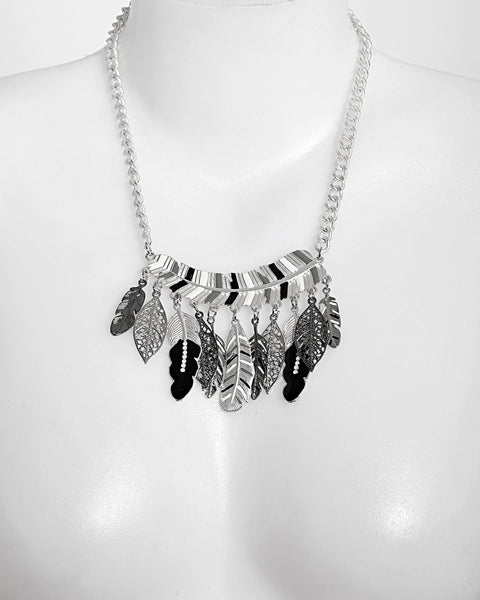 Mixed Feathers Metal Necklace-Jezzelle