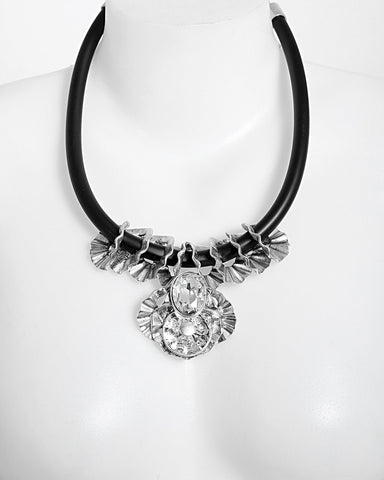 Metal Flower and Crystal Necklace - Jezzelle