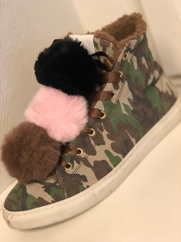 Faux Fur Shoe Poms