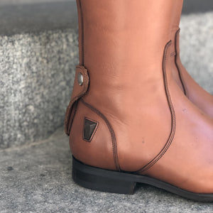 GAYA Medium Brown Size 40 - Sample Sale