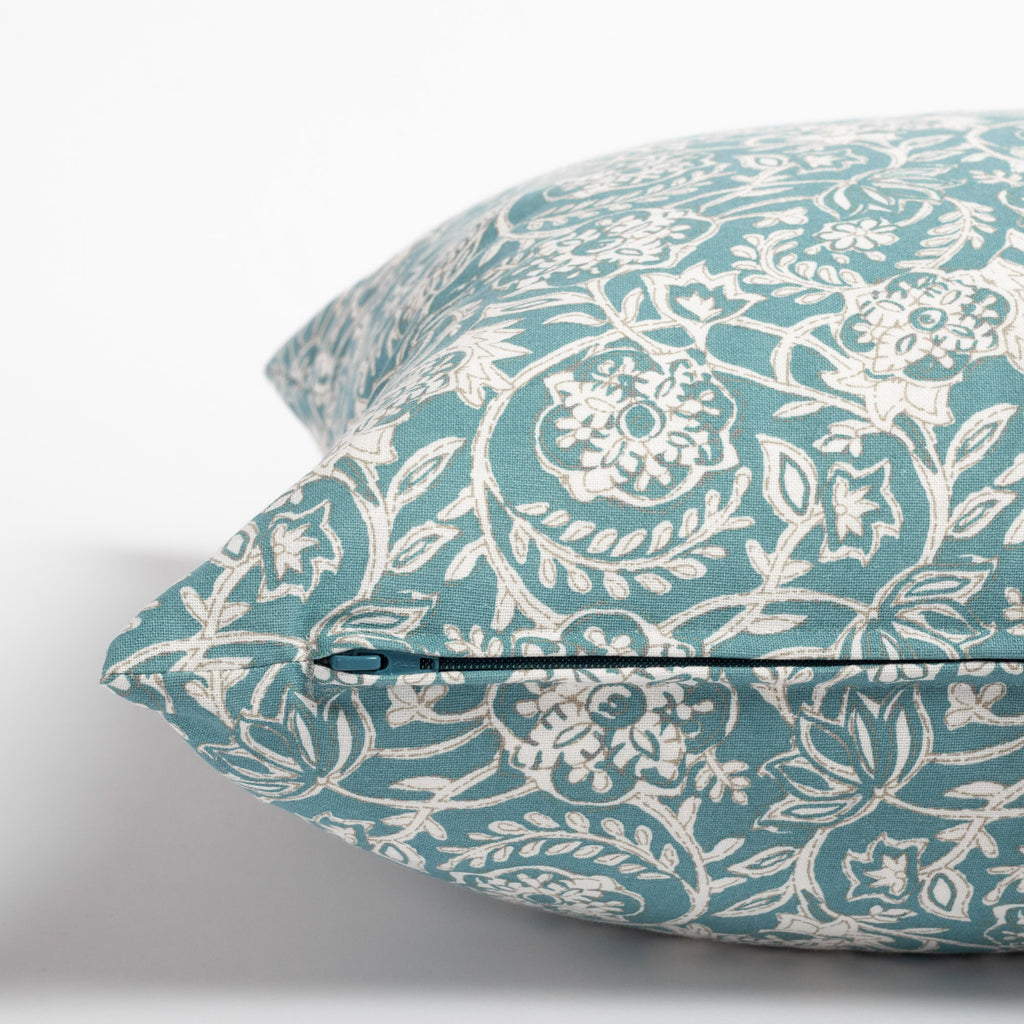 Padma 20x20 Aqua blue and cream tapestry block print pattern cotton pillow : close up zipper view