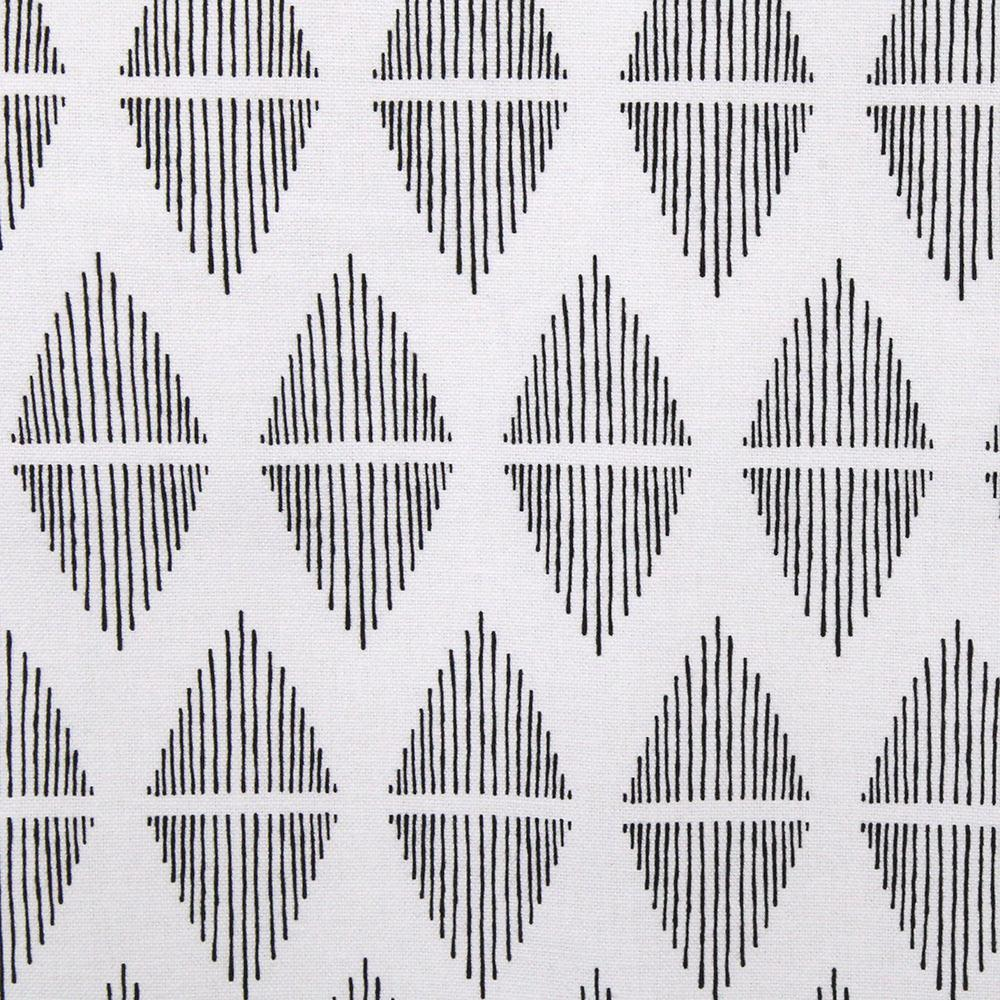 Reflect, Black - A clean, line drawn pattern in black and white.