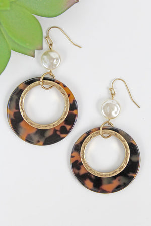 Coin Pearl and Cut-Out Tortoiseshell Disk Earrings