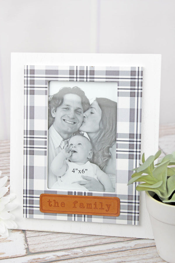 9.5 x 7.75 'The Family' Leather Tag Wood 4x6 Photo Frame
