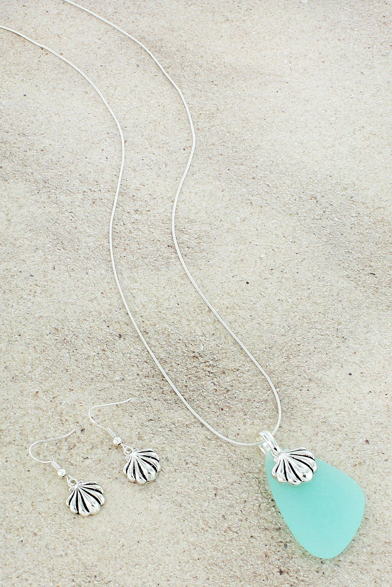 Turquoise sea glass and seashell pendant necklace and earring set turquoise sea glass and seashell pendant necklace and earring set as5699 astq aloadofball Gallery