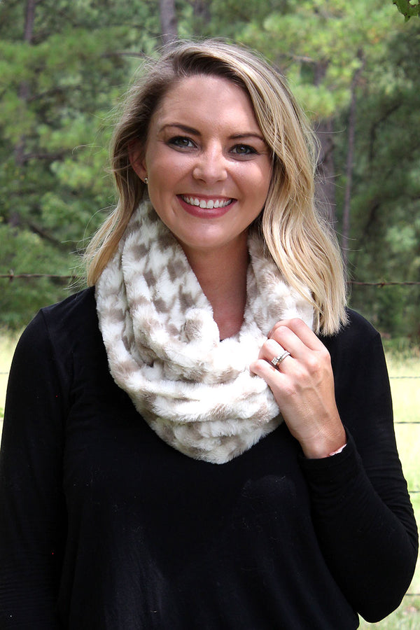 Houndstooth Haven Faux Fur Tube Scarf, Gray