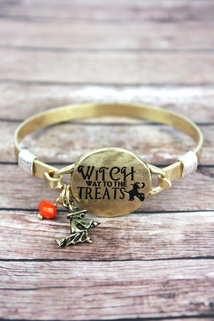 Worn Goldtone 'Witch Way' Halloween Bracelet