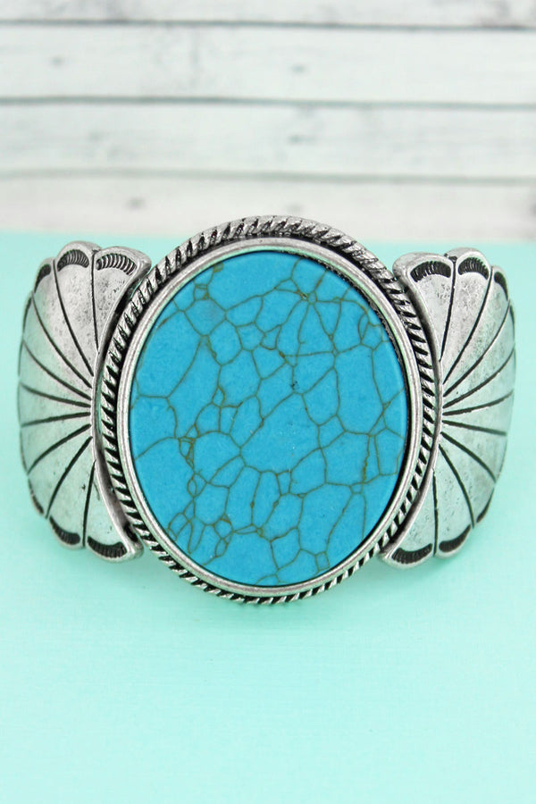 Turquoise Stone Silvertone Scalloped Stretch Bracelet