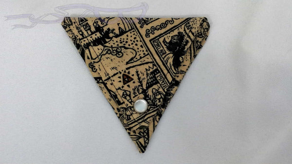 Triangular Ear bud holder made with Legend of Zelda fabric. Nintendo cotton made into an ear bud pocket, lip balm case, usb holder, ear bud pouch.