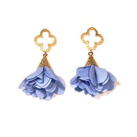 Tess Petal Quatrefoil Earrings - Periwinkle