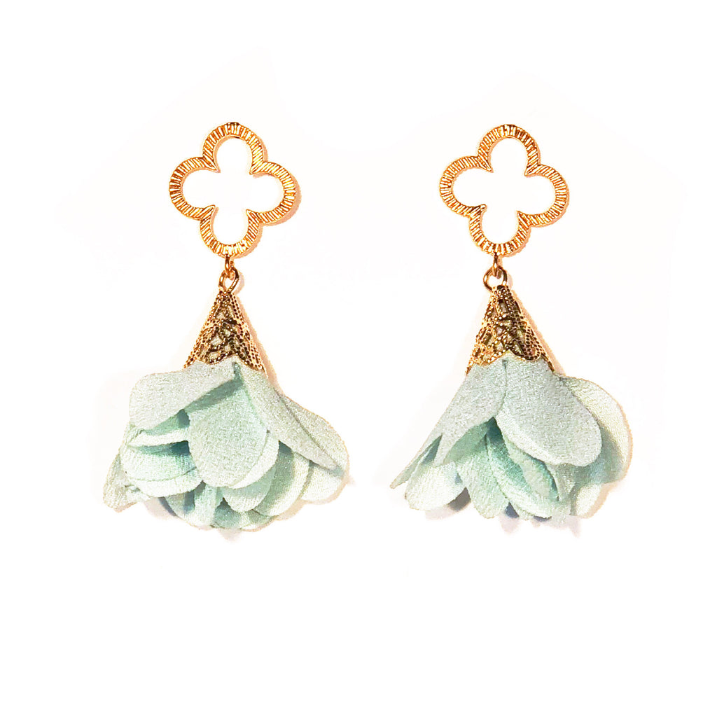 Tess Petal Quatrefoil Earrings - Mint