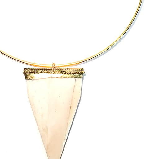 ALDEN Choker Necklace with Flat Horn